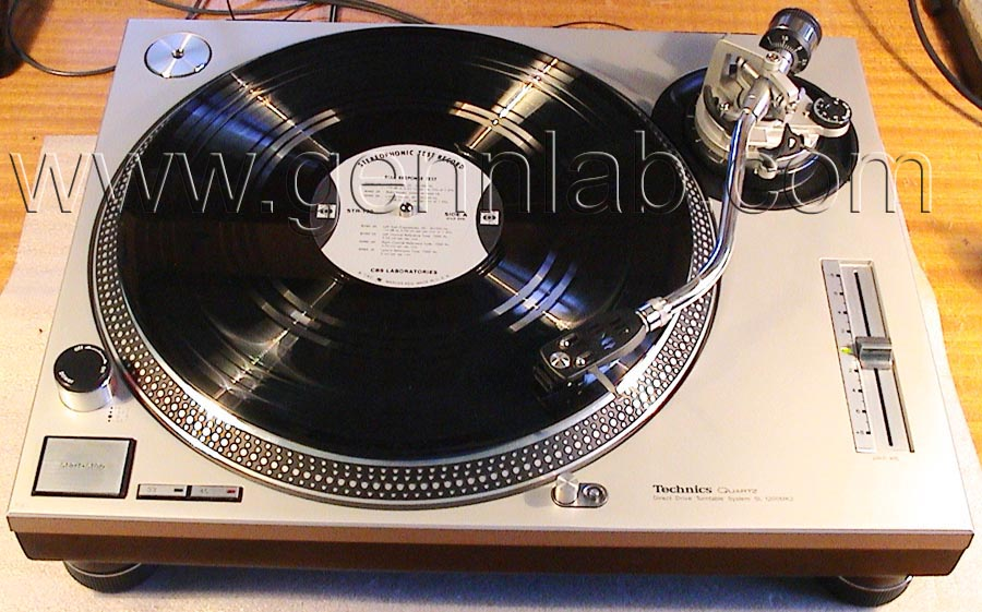 Technics SL-1200MK2 under test