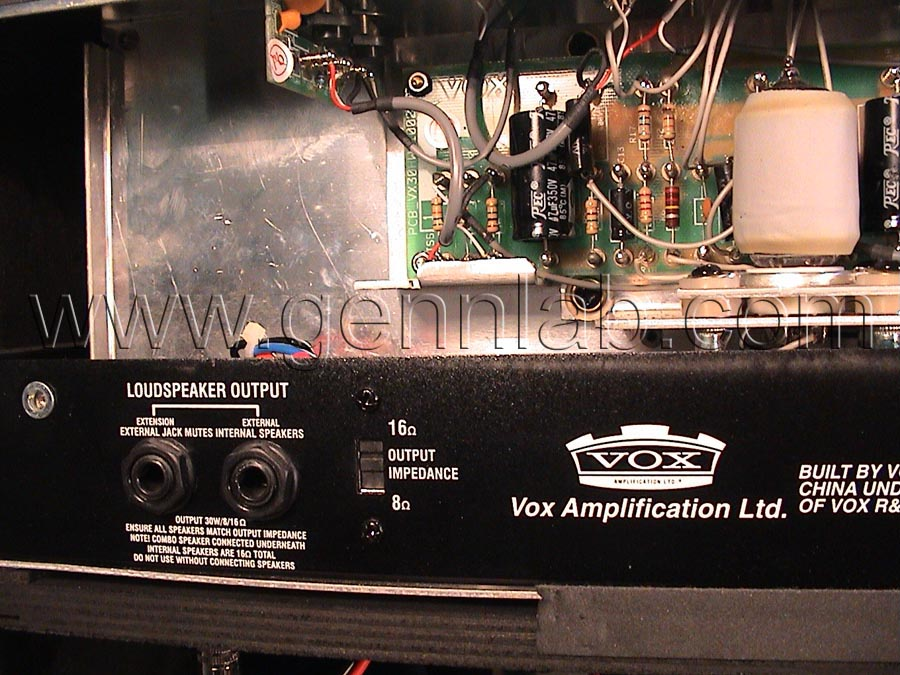 VOX AC30 Rear open 2